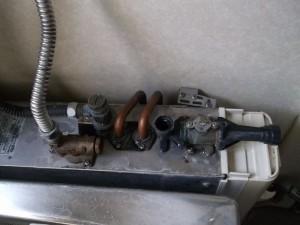 バランス釜出湯栓修理交換前