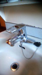 東村山市の住宅 洗面所水栓の交換